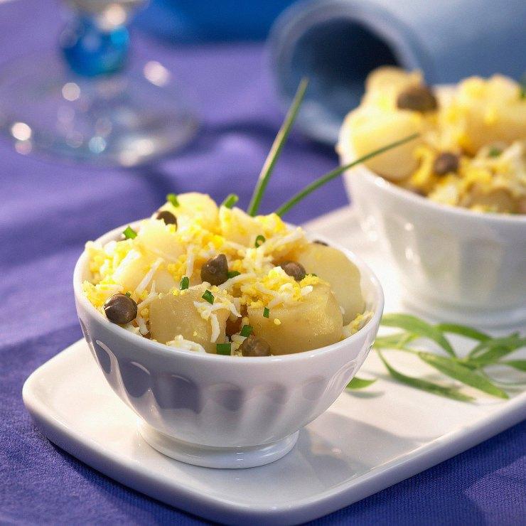 ensalada aceitunas negras, patatas y habas